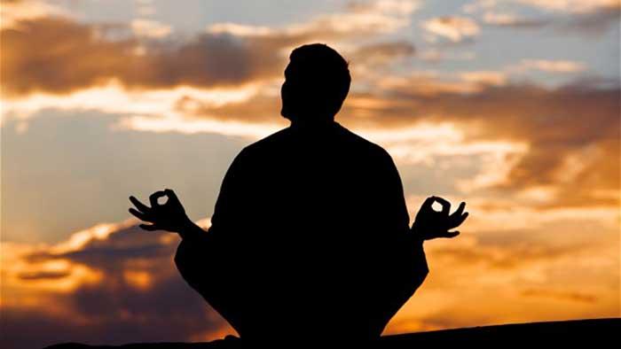 Padre Amorth e lo yoga